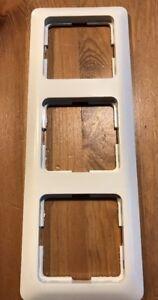 Berker-Modul-2-Rahmen-3fach-weiss