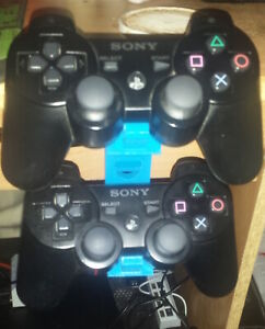 Sony-PlayStation-Controller-Stand-Hanging-Desk-Mount-3D-Printed-by-VTSTech