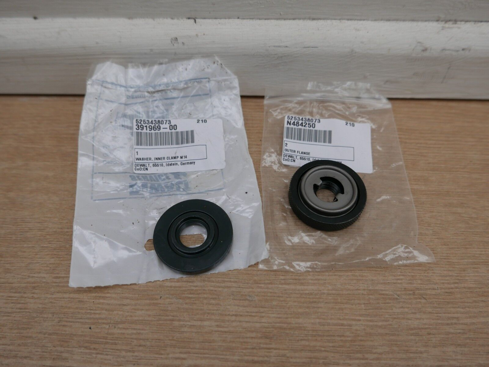 DEWALT DCG405 DCG414 ANGLE GRINDER M14 INNER /& OUTER FLANGES 391969-00 /& N484250