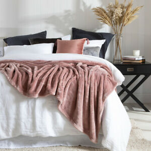 New MUSE Luxe 520gsm Microfibre Blanket
