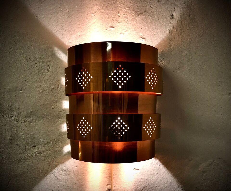 Anden arkitekt, Væglampe, Læglampe