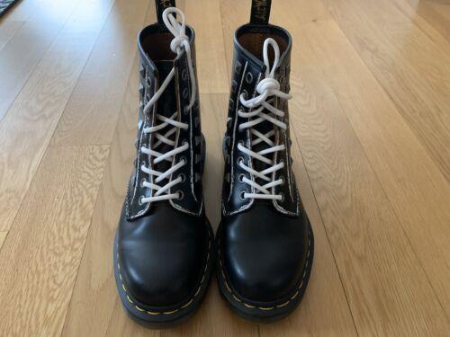 Dr martens boots 1460 womens size 7 EUC