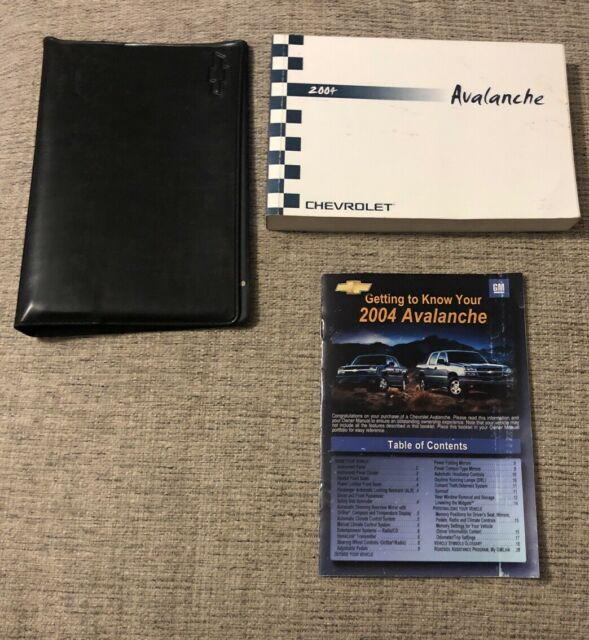 2004 Chevrolet Chevy Avalanche Owners Manual With Case Oem