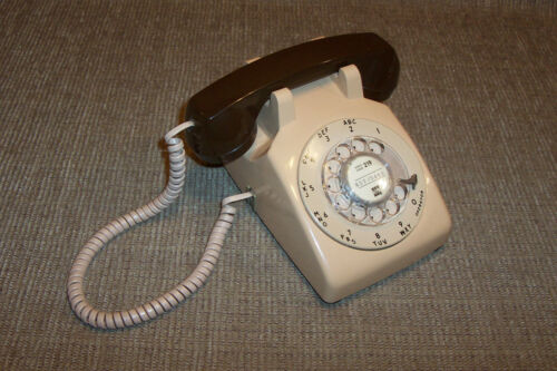 Old Stromberg Carlson Rotary Dial Telephone Vintage Phone Beige Brown 1982