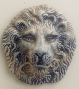 Antique Finish Round Lion Face Mask Wall Sculpture