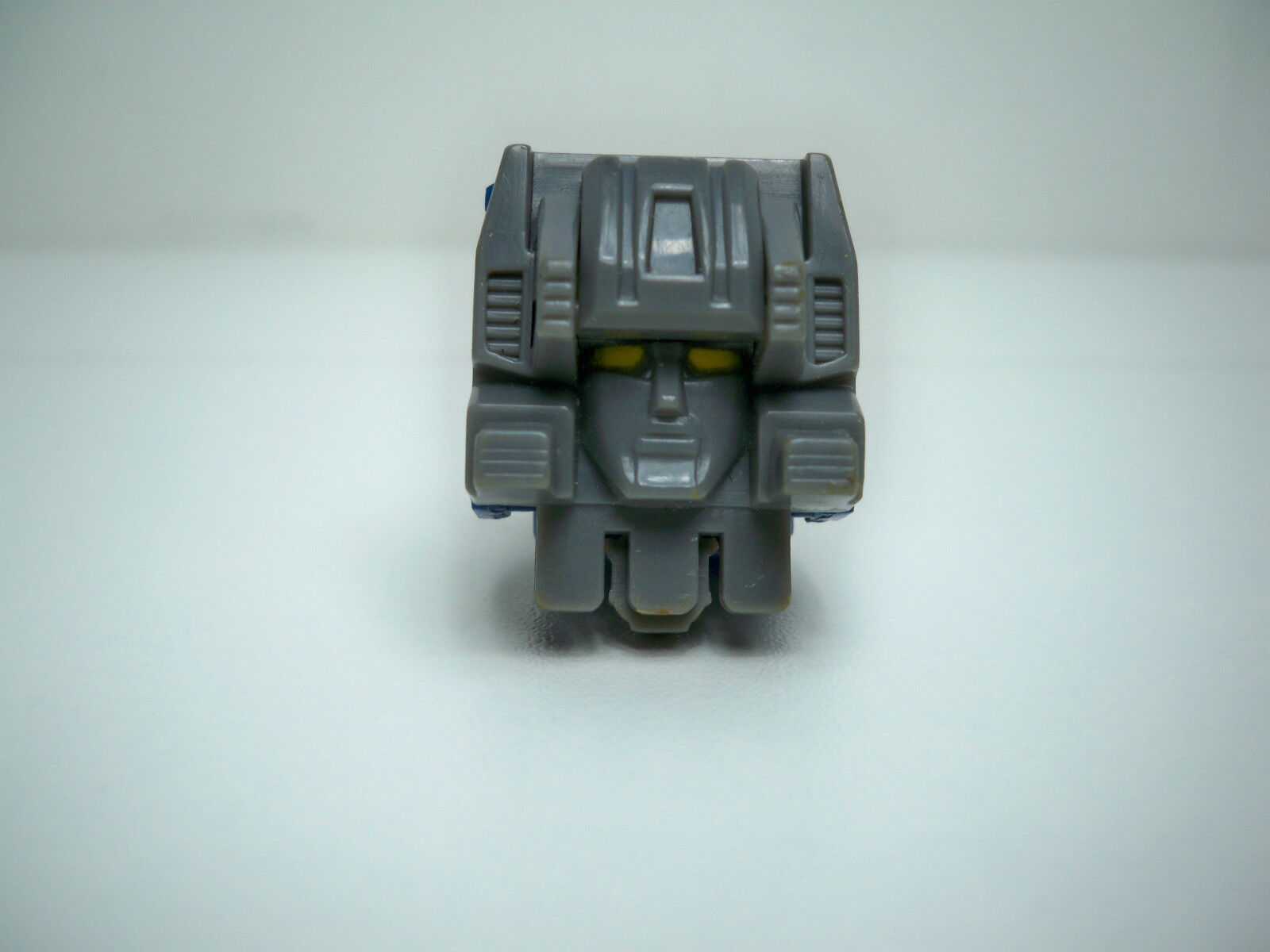 R0500601  FORTRESS MAXIMUS SPIKE PART HEADMASTER TRANSFORMERS G1