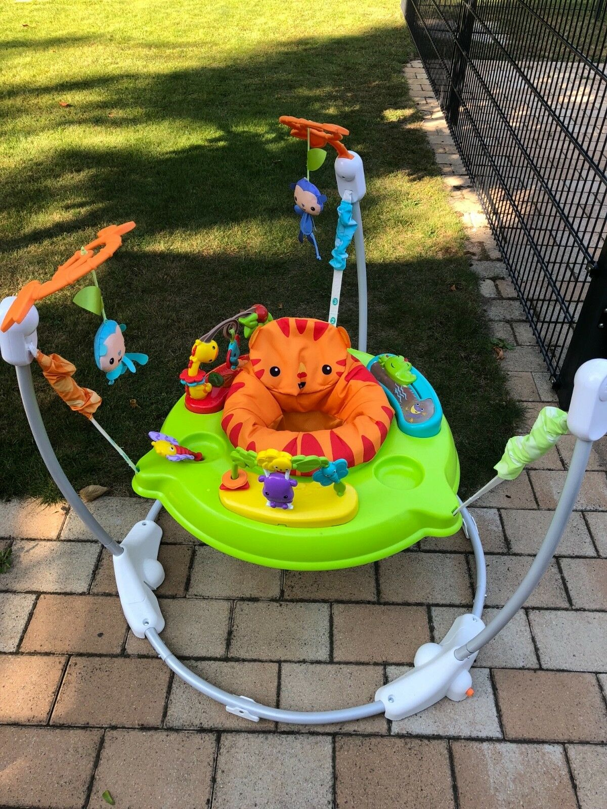 Fisher Price Rainforest Jumperoo Gehhilfe Stehhilfe VB