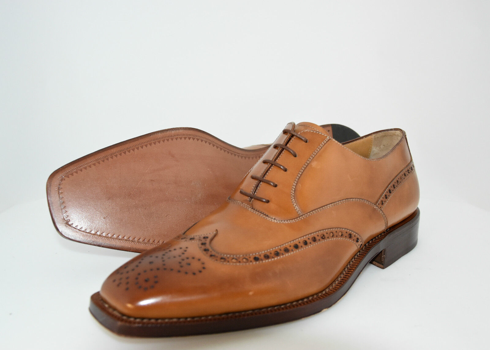 MAN-42eu-8usa-OXFORD WINGTIP W.PERFS&MEDALLION - CALF BOMBAY - LEATHER SOLE Scarpe classiche da uomo