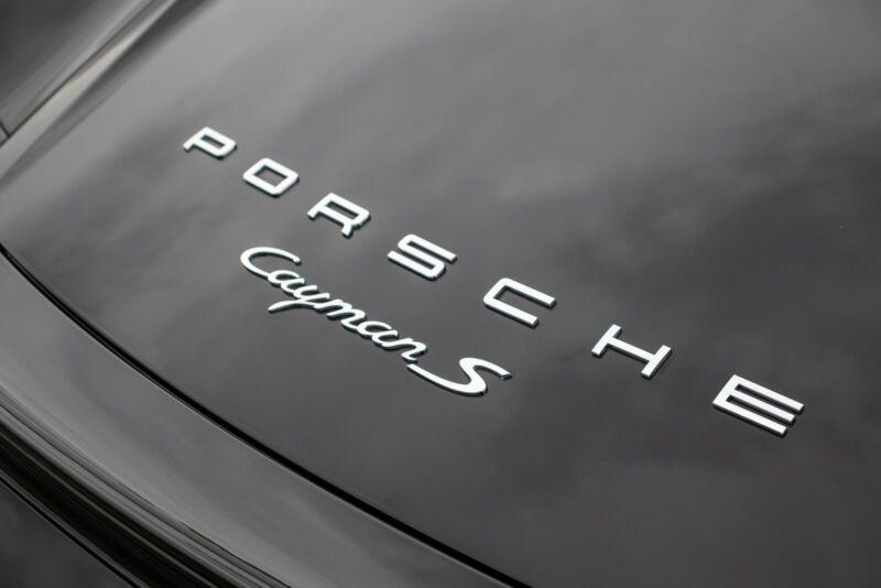 Porsche Cayman S - 10