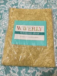 "WAVERLY HARLEQUIN ORO PILLOW SHAM BED 21 X 26/"" STANDARD GOLD YELLOW"