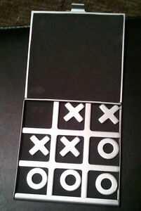 Tic-Tac-Toe-Game-Noughts-and-Crosses-Board-Aluminum-Folding-Toy-599
