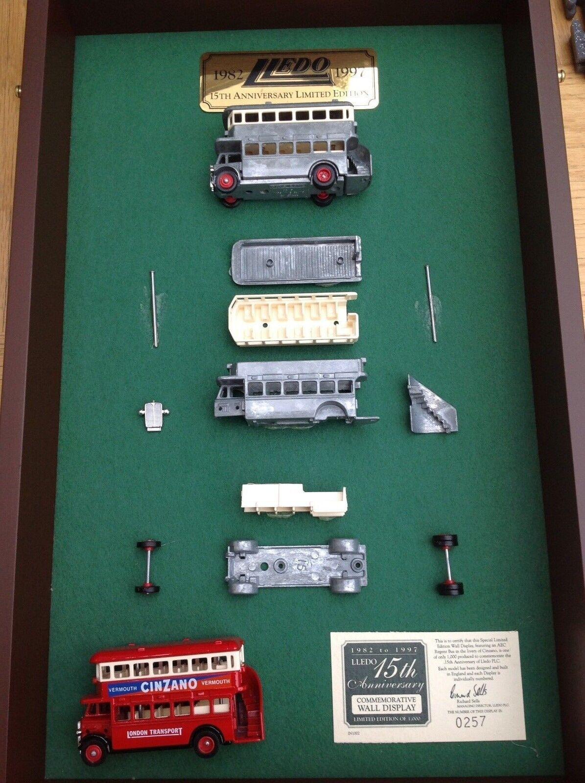 LLEDO LAD-1002 15th anniversaire DG15 CINZANO AEC Regent Bus Modèle Display Set