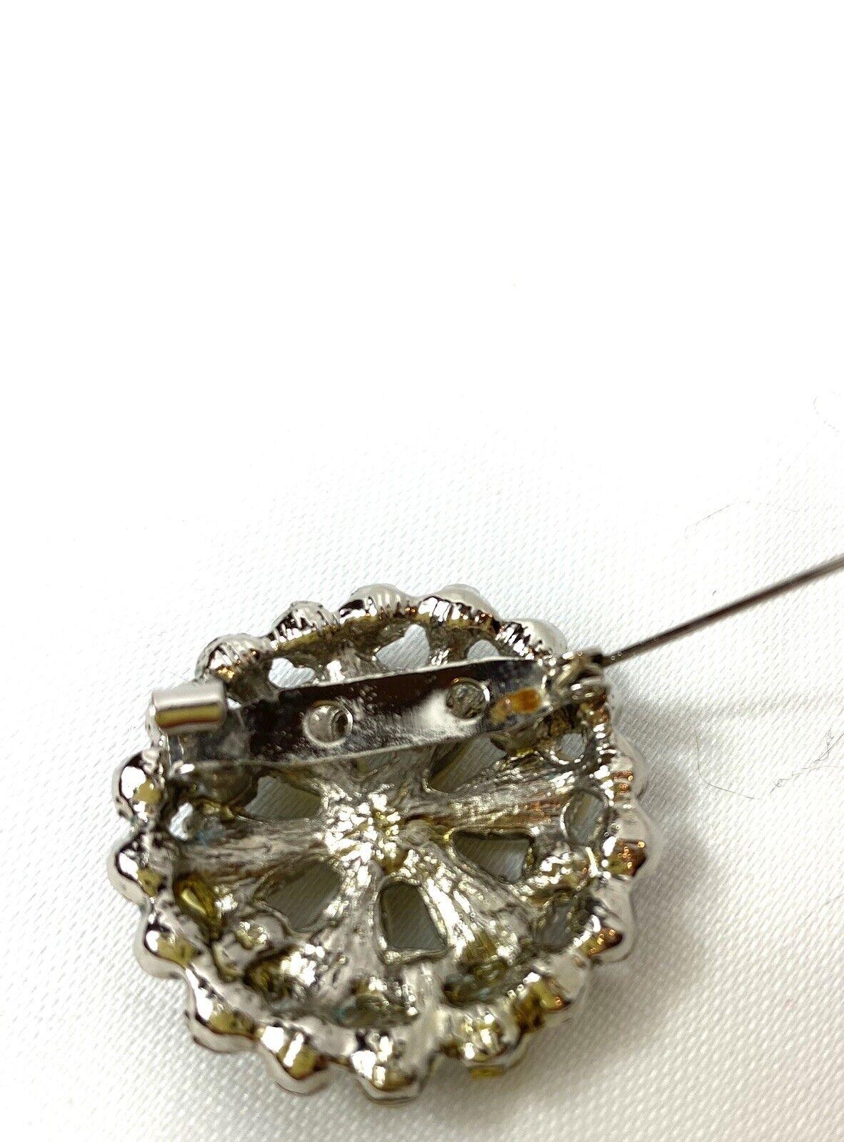 Vintage Pearl Petal Brooch - image 4