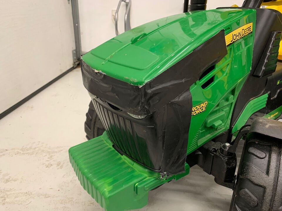 12 volt. Elektrisk John Deere , Traktor