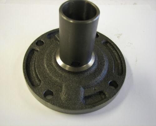 M21 M22 Muncie Front Bearing Retainer M20