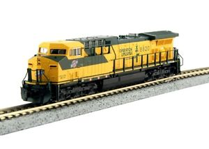 Kato-176-7036-N-Scale-GE-AC4400CW-C-amp-NW-8820-DCC-Ready-Locomotive