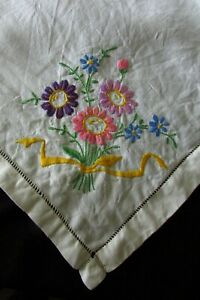 Vintage-French-Embroidered-Flower-bouquets-Linen-Tablecloth-c1930