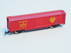 Marklin-Z-scale-DELAWARE-amp-HUDSON-railroad-USA-Box-car-D-amp-R