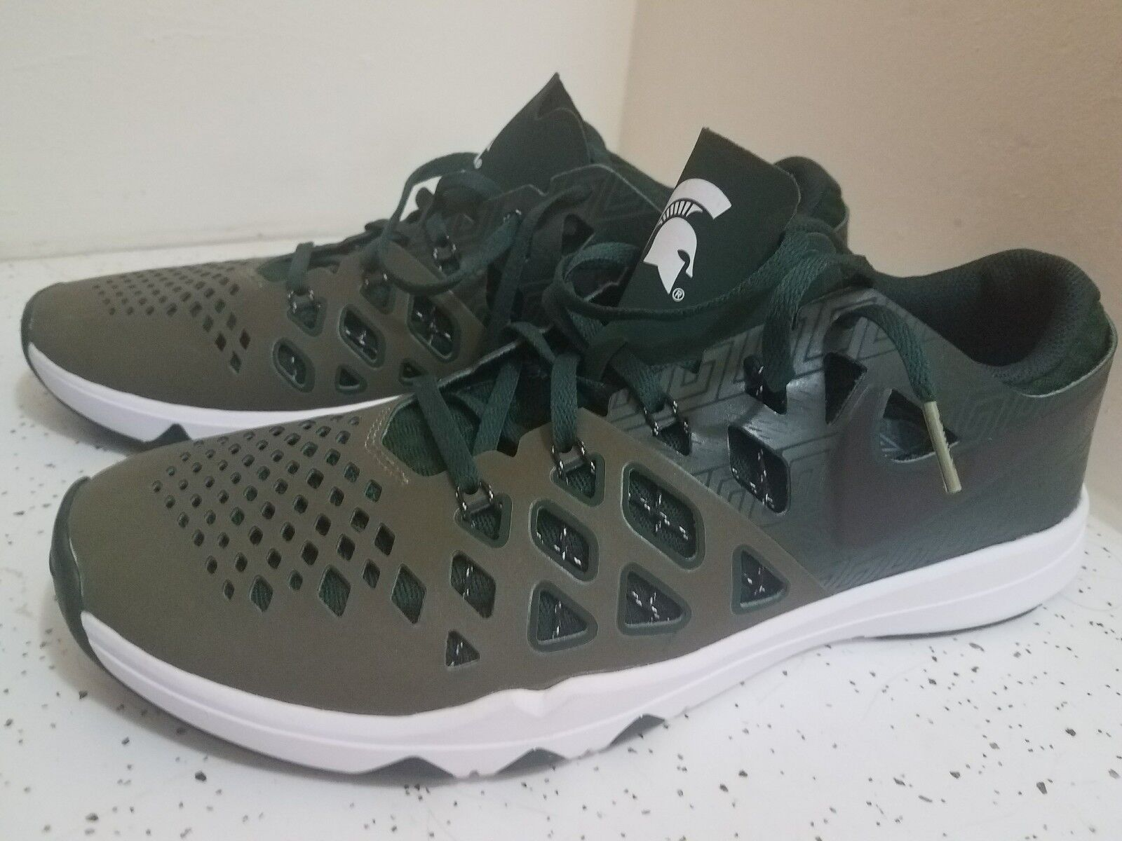 New Green Nike Running Shoes Train Speed 4 Amp MSU Spartans Size 10.5