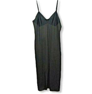 Vanity Fair Full Slip Size 34 Black 1980s Lingerie Nylon Lace Hem Vintage Womens