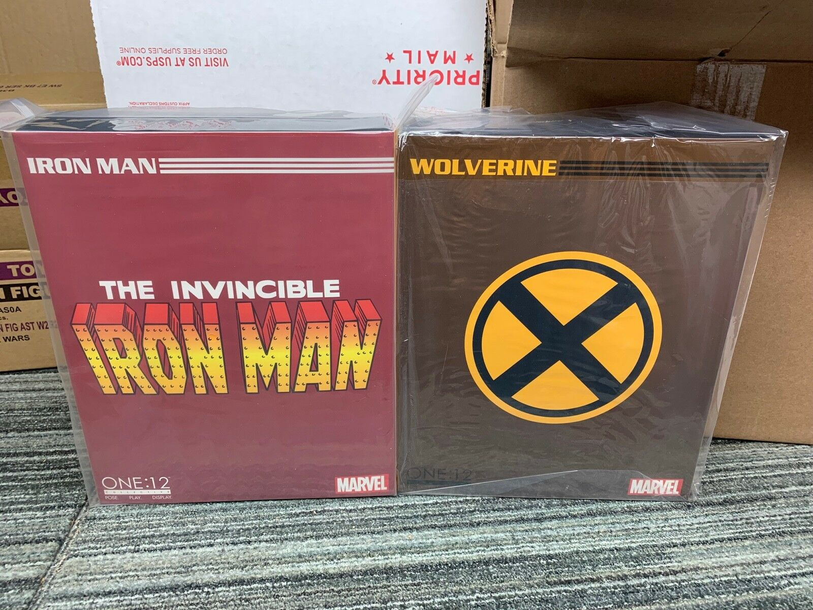 Mezco ONE 12 lot WOLVERINE braun SUIT and IRON MAN