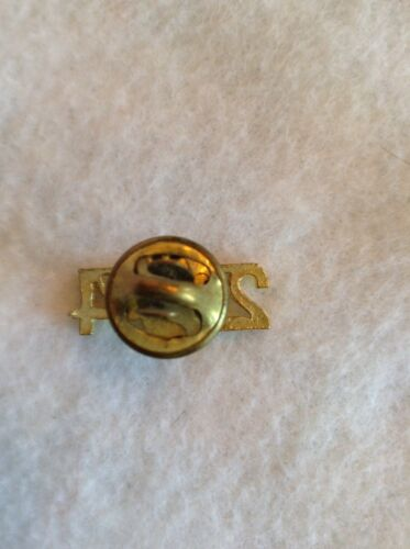 Birth Year Or CLASS OF 2004 Reunion Chenille Pin Varsity Letter Jacket Hat Pin