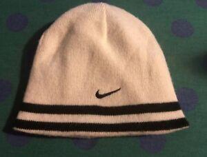 89f999e800f86 Nike Boy s Knit Beanie Hat Reversible Size 4-7 White   Dark Blue ...