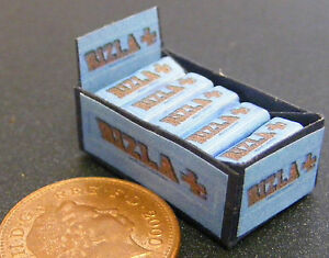 1-12-Scale-Display-Box-Of-Blue-Rizla-Cigarette-Paper-Packets-Tumdee-Dolls-House