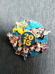 2015-Disney-Parks-2015-Dated-Pin-Fab-5-Spinner-Pin