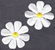 "DAISY (1 1/2"") WHITE w/YELLOW CENTER (2 PC)- Iron On Embroidered Applique/Flower"