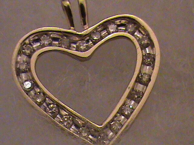 Beautiful 10k gold Diamond  Heart Pendant, 0.30 Carat