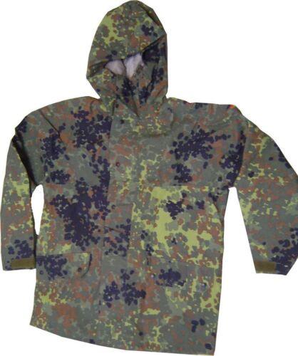 1 Nässeschutz Regen Anzug Bundeswehr flecktarn  Goretex versch.Größen Militär