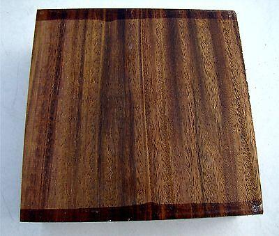 Klotz Denya  12x12x4,8-5cm, Drechselholz, Schnitzholz 972A