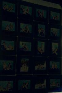 20-x-Original-35mm-Dia-Akt-Erotik-Glamour-Pinups-2-Models-am-Pool-Slides-Set-2