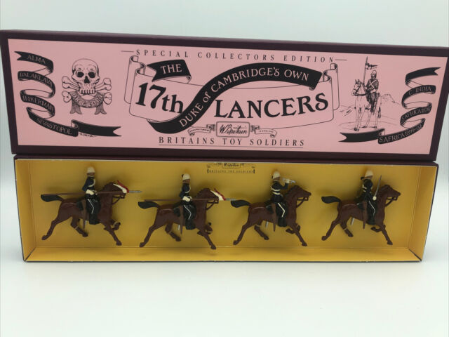 Britains 8806 Special Collectors Set The Duke of Cambridges Own 17th Lancers