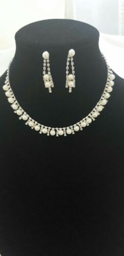 Uk Seller, Women Fashion  Pearl /& Diamante Necklace Set Party and Bridal Wear