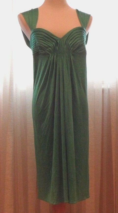 BCBG MAXAZRAIA VERY ELEGANT LADIES DRESS, PERFECT TAYLOR FIT, M