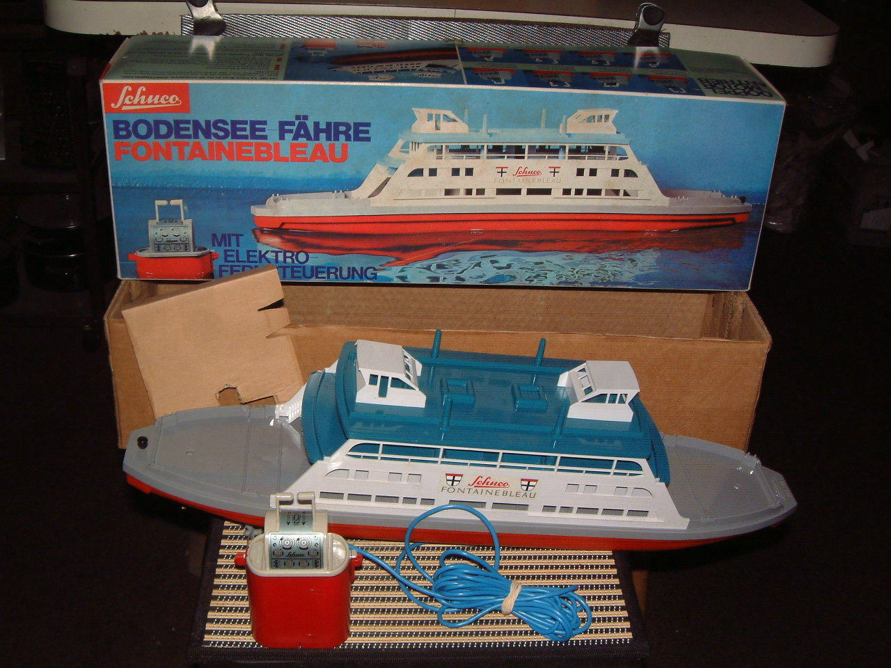 SCHUCO ELEKTRO LAKE CONSTANCE FERRY BOAT FONTAINEBLEAU, PERFECTLY WORKING W/BOX
