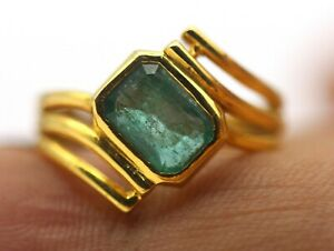 1.35 Ct Real Green Emerald Zambian Gem 18K Gold Ring IGI Certified Fine Jewelry