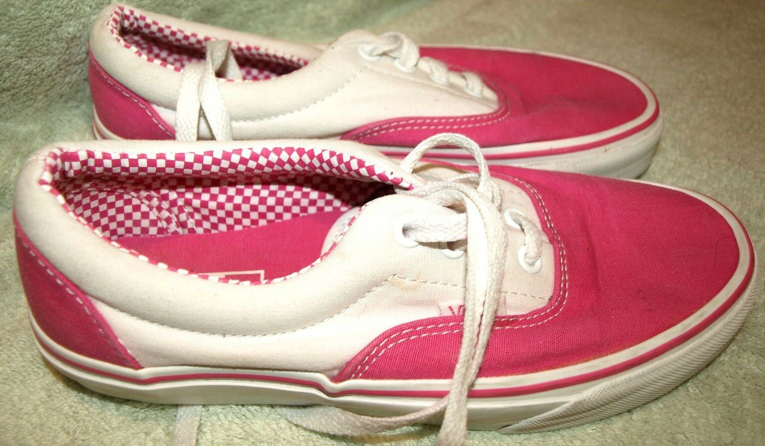 Nice VANS   OFF THE WALL   Pink White Lace Up Sneakers, 7.5 Med