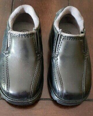 New Boy/'s Toddler/'s TKS Cody Slip On Casual Dress Shoe Black Location 39KL