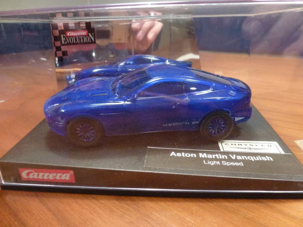 CARRERA Evolution Auto Aston Martin Vanquish Light Speed Blau 25555 NEU OVP  | Schöne Farbe