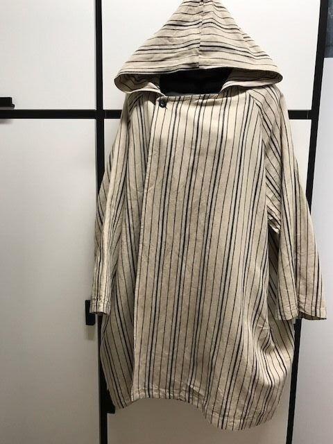 Veritecoeur Linen Cotton Ink Haze Stripe Natural Hooded Robe Coat