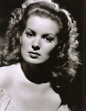 Maureen O'Hara UNSIGNED photo - C759 - The Hunchback of Notre Dame