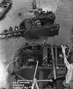 WW2-WWII-Photo-USS-Arizona-Salvage-1942-BB-39-US-Navy-World-War-Two-7200