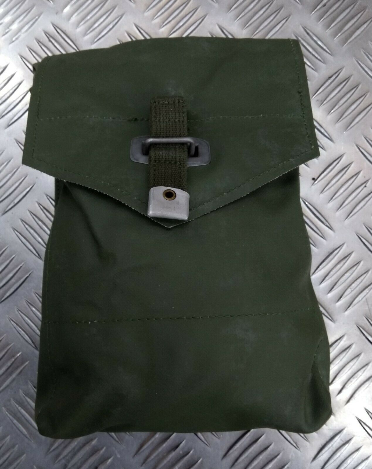 Original Vintage Schwedische Militärgrün Vinyl PVC Seite Utility Munition Tasche