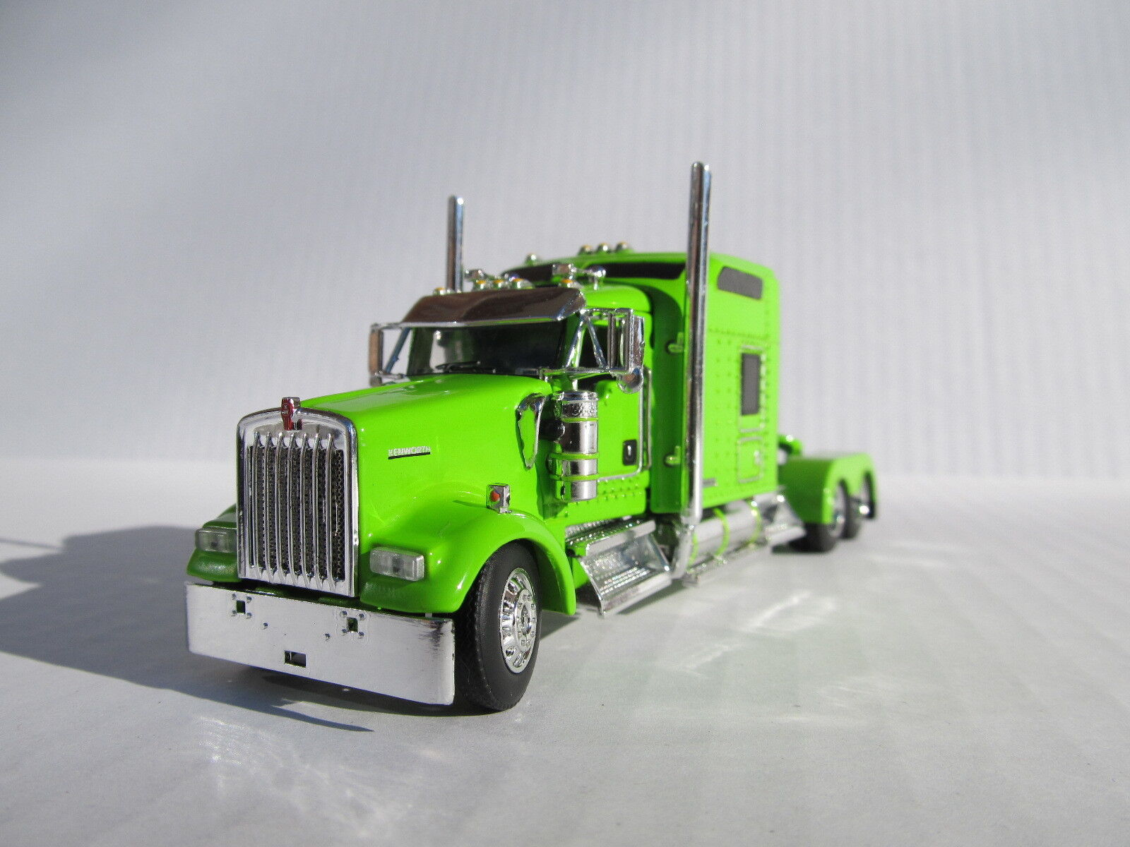 DCP DCP DCP 1 64 SCALE W-900 KENWORTH STUDIO SLEEPER LIME GREEN fdbab2