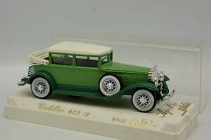 Solido-1-43-Cadillac-452-Un-Verde