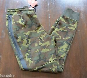 2216d9192f08 NIKE TECH FLEECE PANTS DARK GREEN WOODLAND CAMO  JOGGERS  SEQUOIA ...