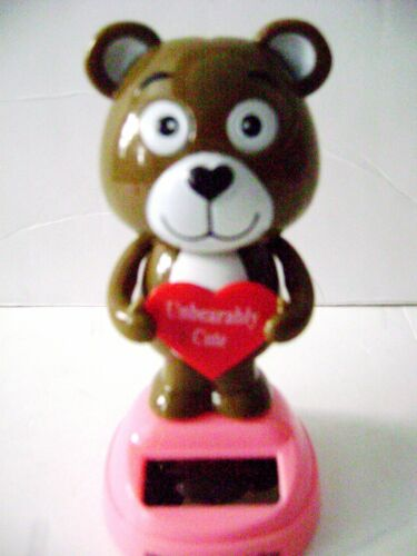 "Holding  Heart Sign  /""Unbearably Cute/"" Solar Powered Dancing Bear  Bobble Head"